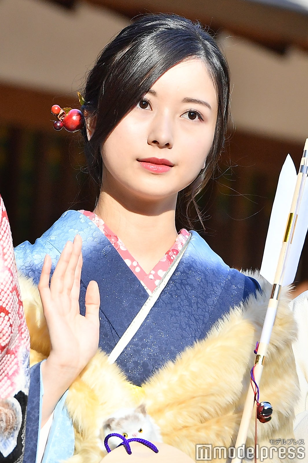 佐々木琴子画像