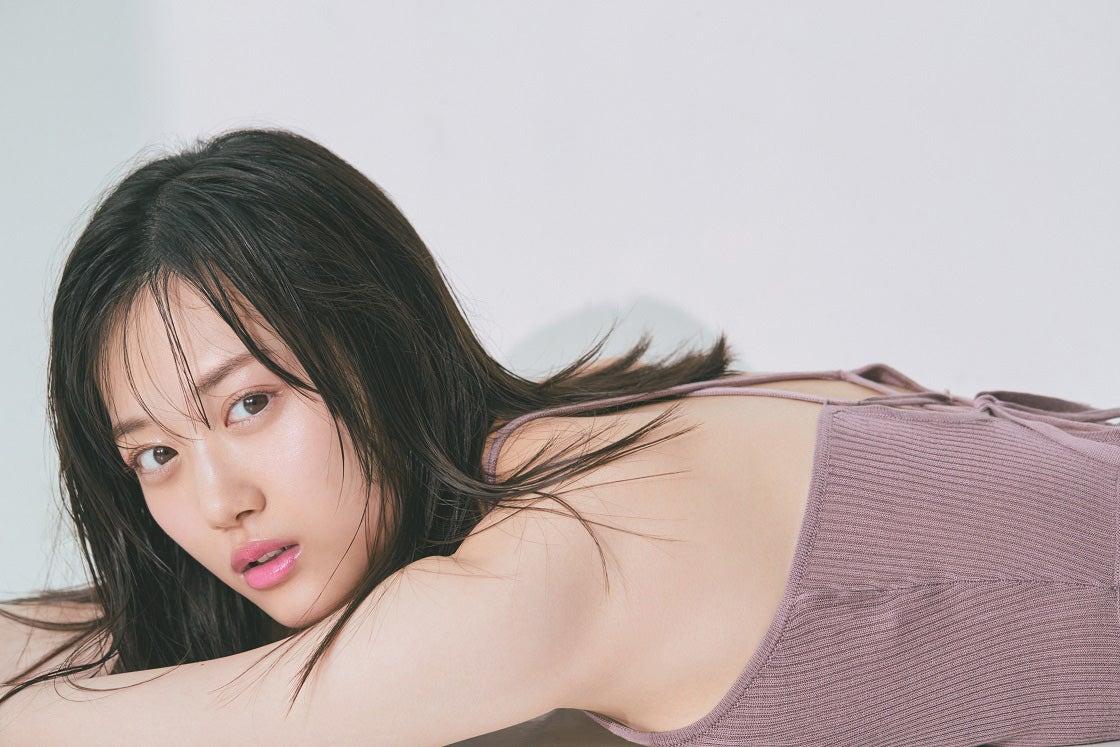 乃木坂46「新エース」山下美月、異例のスピードで「CanCam」初表紙 色気たっぷり美し過ぎる「エモ顔」披露