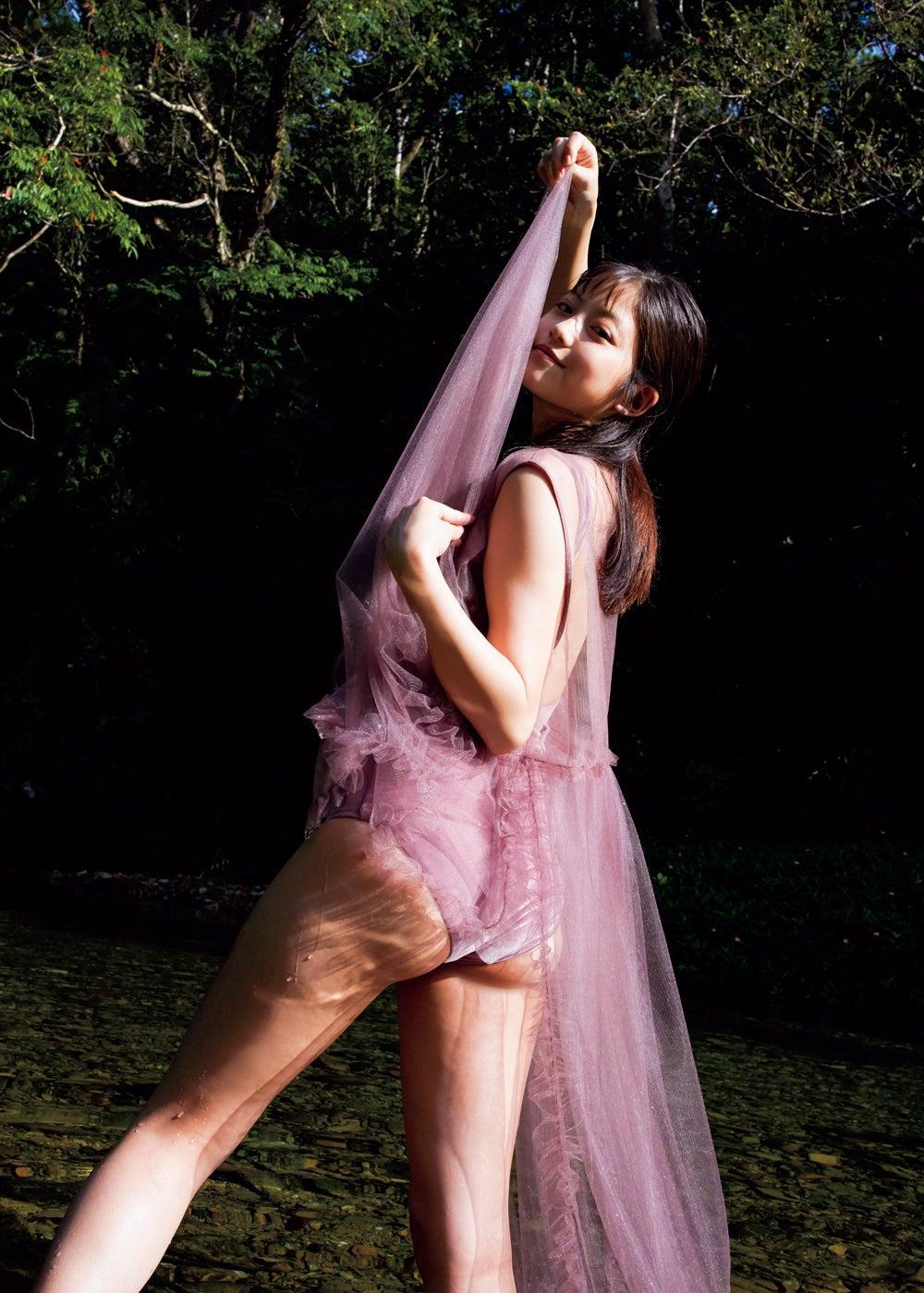 【グラビア】女優・今田美桜、美ヒップあらわに魅了