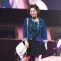 E-girls坂東希、ミニスカでフレッシュ美脚披露 弾ける笑顔で魅力全開