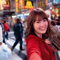 乃木坂46生田絵梨花、写真集が売れた理由 30万部突破が話題に<インターミッション>