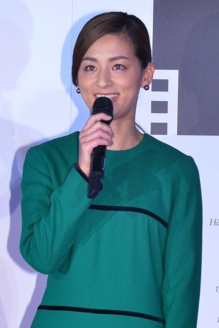 7月に結婚して以来、初めて公の場に登場した尾野真千子【モデルプレス】