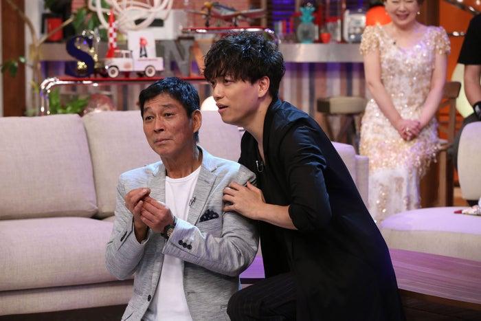 明石家さんまと山崎育三郎(写真提供:NHK)
