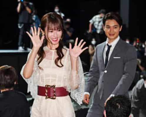 深田恭子 回復は順調? 白ドレス姿4か月ぶり公の場