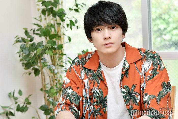 モデルプレスのインタビューに応じた新田真剣佑(C)モデルプレス