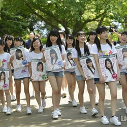 "AKB48、""会いに行くアイドル""チーム8本格始動 初ステージも披露"