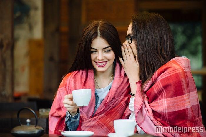 合間でお茶をしながら、おしゃべりも(Photo by teksomolika/Fotolia)