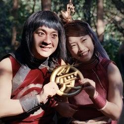 織ちゃん(川栄李奈)、金ちゃん(濱田岳)とペアルック披露 交際開始で「イラッとくる~」ラブラブっぷり