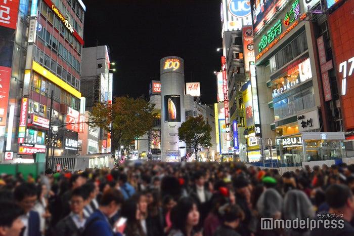 ハロウィン当日の渋谷の様子/2018年10月31日19時頃撮影 (C)モデルプレス