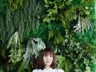 シンガーソングライターの半崎美子、6thシングル「ロゼット~たんぽぽの詩~」MV公開
