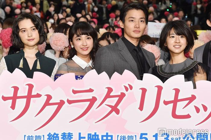 (左から)玉城ティナ、平祐奈、野村周平、黒島結菜(C)モデルプレス
