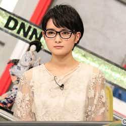 モデルプレス - 慶應合格の葵わかな、メガネ姿で知的オーラ【今週のメガネ美女】