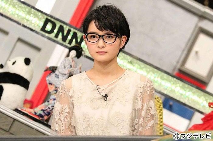 葵わかながメガネ姿を披露/画像提供:フジテレビ
