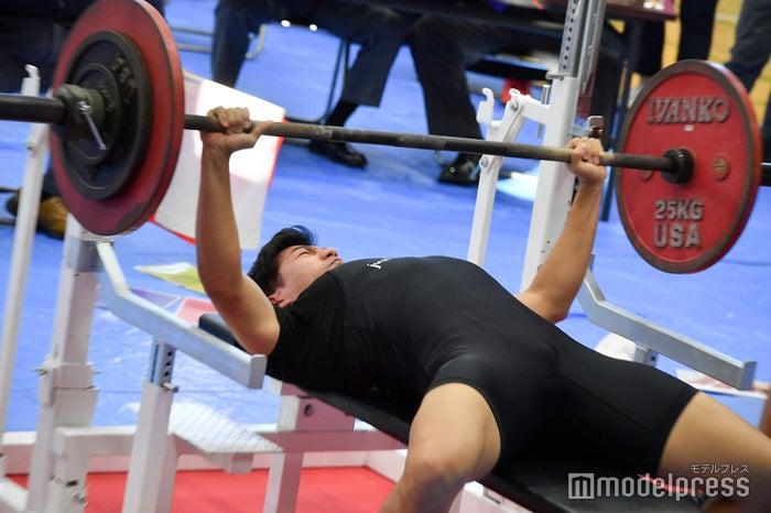 フジテレビ男性アナ、鍛え上げた筋肉の成果は?ベンチプレス大会出場で入賞者続出/写真は内野泰輔アナ(C)モデルプレス