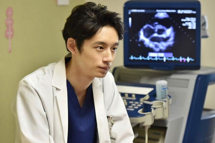 坂口健太郎/「コウノドリ」第3話より(画像提供:TBS)