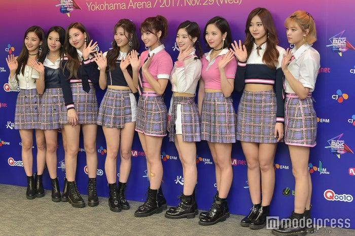 TWICE/左から:ジヒョ、チェヨン、ナヨン、サナ、モモ、ダヒョン、ミナ、ツウィ、ジョンヨン(C)モデルプレス (C)モデルプレス