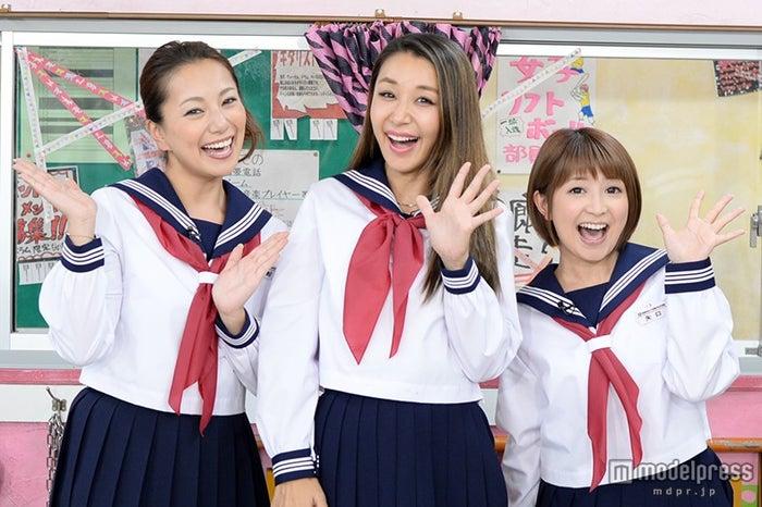 モデルプレスのインタビューに応じた(左から)三船美佳、鈴木紗理奈、矢口真里【モデルプレス】