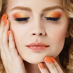オレンジメイクで旬の顔へ お客様の魅力を引き出すためのポイントとは?