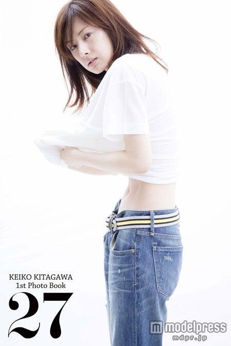自身初となる写真集を発売する北川景子/「北川景子1st写真集『27』」(8月22日発売、SDP)より