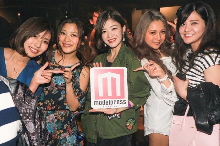 イベントにはバチェラーの女性たちが応援に集結(左から)古賀あかね、柏原歩、森田紗英、木村有希、宮城智夏(提供写真)