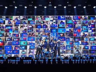 "SUPER JUNIOR「Beyond LIVE」に全世界12万3千人熱狂 高さ12m""ジャイアントシウォン""登場も"