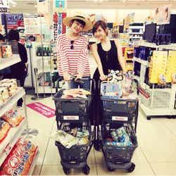 モデルプレス - 紗栄子&山田優、家族で旅行へ 子ども同士が「なんだかいい感じ」