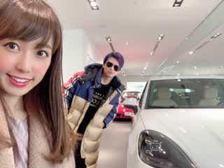 アレク&川崎希夫妻、新型ポルシェの納車報告に「豪華すぎる」と反響