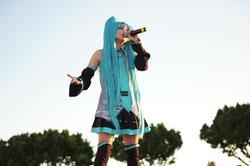 misono、初音ミクのコスプレ姿で歌唱ショット公開「可愛いーッッ!」