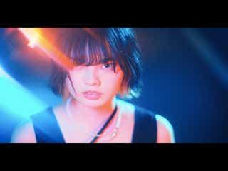 平手友梨奈、奇抜なツートーンカラー&欅坂46脱退後初披露のダンスが圧巻「表現力すごい」と反響