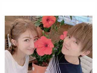 辻希美&杉浦太陽夫婦、結婚13年目を報告「人生の半分一緒」「ずっと大好きだよ」