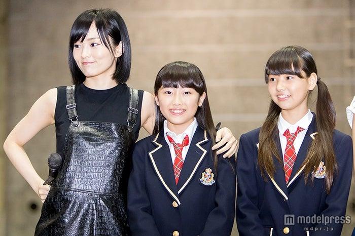 (左から)山本彩、西仲七海、本郷柚巴(C)NMB48