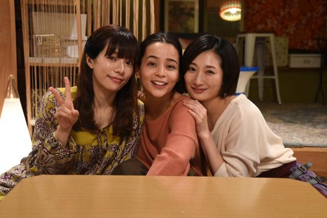 (左から)桜井ユキ、加藤ローサ、武田梨奈 (C)フジテレビ