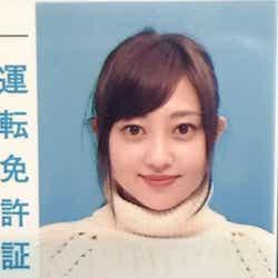 モデルプレス - 菊地亜美の免許写真が「可愛い」「クオリティがすごい」と話題に