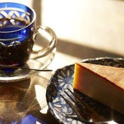 江戸切子でコーヒーを飲む!?驚きの隠れ人気カフェに潜入