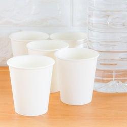 「洗い物を増やしたくなくて紙コップを使っています」との投稿に、ママたちから共感と疑問の声が