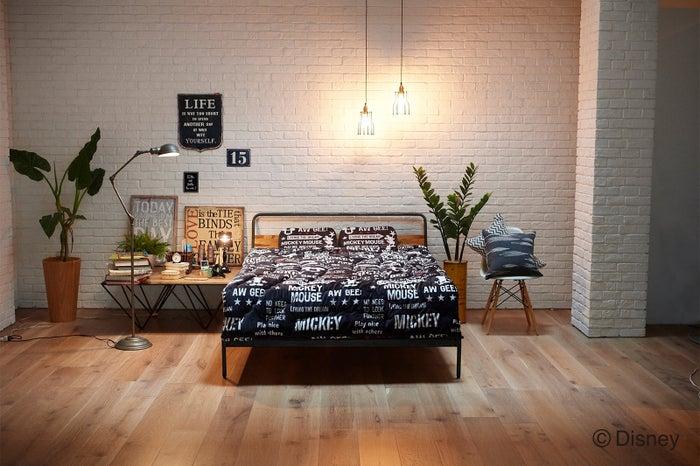 「アメリカンミッキー」デザインでシックな寝室