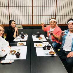 (左から)滝沢カレン、菜々緒、伊達みきお、富澤たけし (画像提供:テレビ朝日)