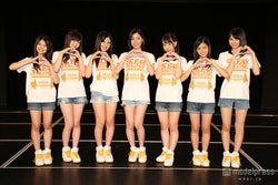 SKE48初のユニット「ラブ・クレッシェンド」/左から:小畑優奈、江籠裕奈、北川綾巴、松井珠理奈、熊崎晴香、後藤楽々、菅原茉椰 (C)AKS【モデルプレス】