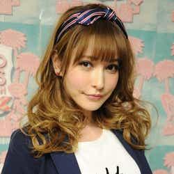 モデルプレス - 藤井リナ、スタイルキープ法&春の注目ファッションを語る モデルプレスインタビュー