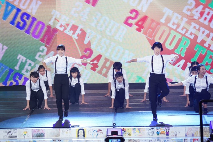 浅田真央、ろう学校の生徒とタップダンス披露(C)日本テレビ