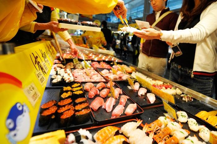 祝日と週末限定で馬関街にて寿司バトルを開催/提供画像 (C)モデルプレス