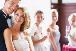 「婚テロ」の被害が増加中?友達をイラつかせるSNSでの結婚報告とは