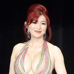 モデルプレス - 叶美香、退院を報告 早速美ボディチェックでバストサイズ変化
