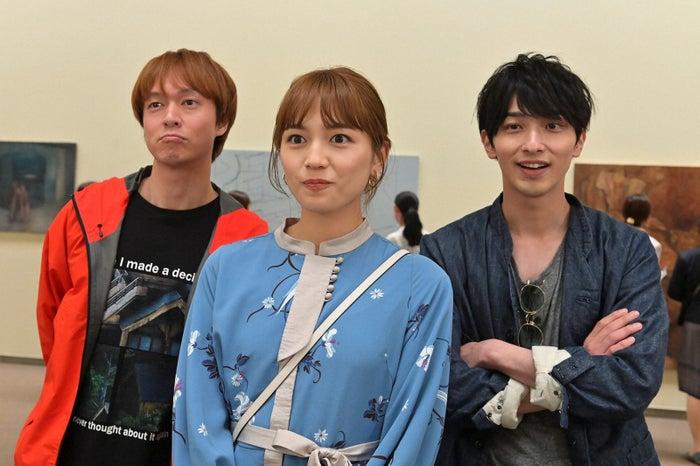 丸山隆平、川口春奈、横浜流星「着飾る恋には理由があって」第3話より(C)TBS