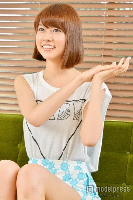インタビューでは無邪気な笑顔も見せる/阿部マリア(モデルプレス撮り下ろし)