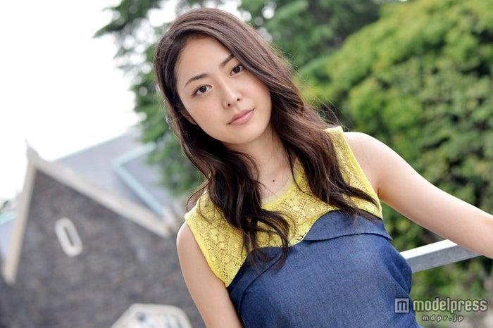 モデルプレスのインタビューに応じた松浦雅