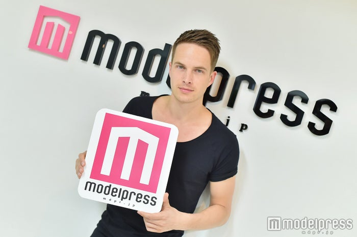ダニックさんがモデルプレスに来訪!(C)モデルプレス