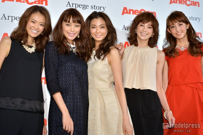 「AneCanクリスマスパーティー」に登場した(左から)葛岡碧、蛯原友里、押切もえ、高垣麗子、有村実樹