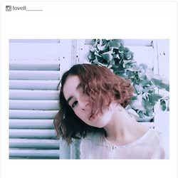 """モデルプレス - ラブリ""""ネオソバージュヘア""""でイメージ一新 レトロ可愛いスタイルに反響"""