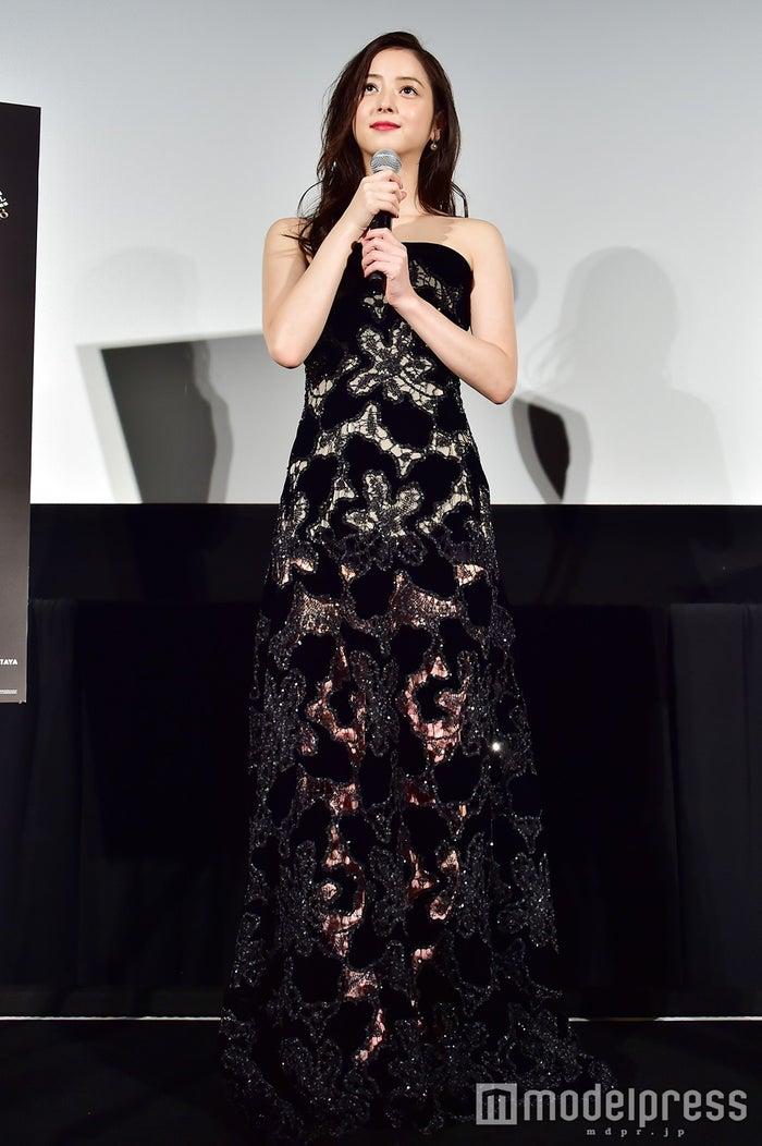 映画『いきなり先生になったボクが彼女に恋をした』の舞台挨拶に登壇した佐々木希 (C)モデルプレス